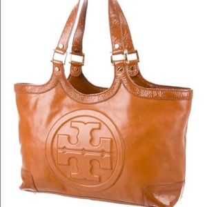 TORY BURCH Patent Leather-Trimmed Bombe Tote